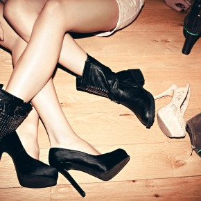 90s shoes and boots