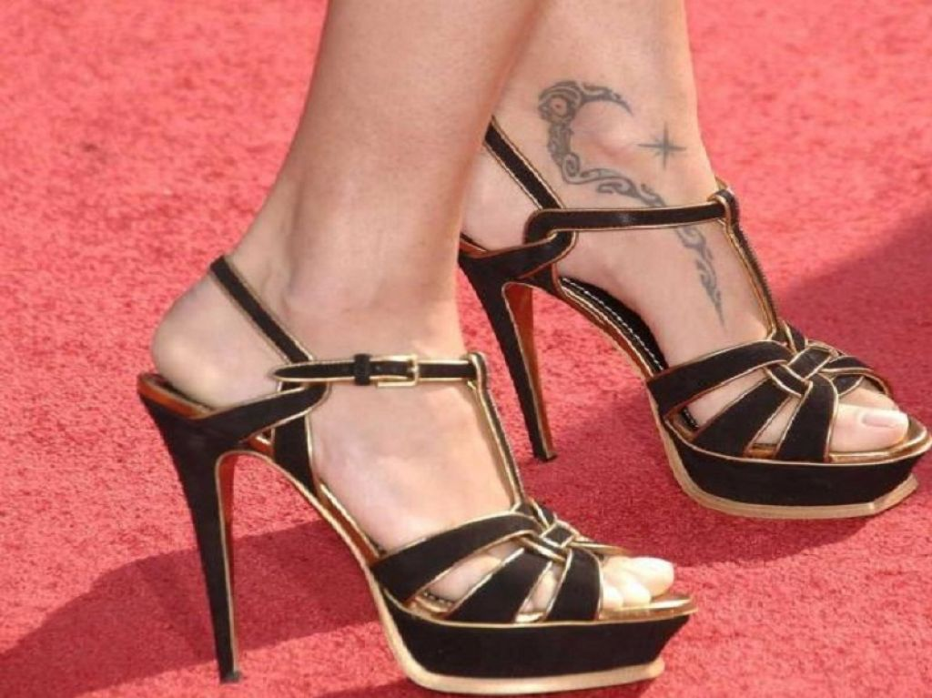 Adriana Lima Ankle Foot Tribal Tattoo Designs Pictures