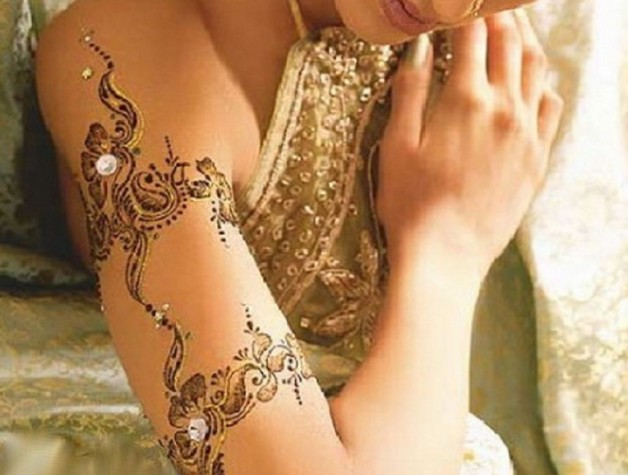 Arm Henna Tattoos Designs With Gold Accent
