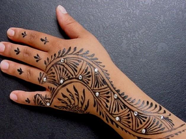 Beautiful Henna Fake Tattoo For Girls