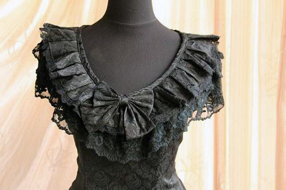 Black Gothic Dresses With Lace