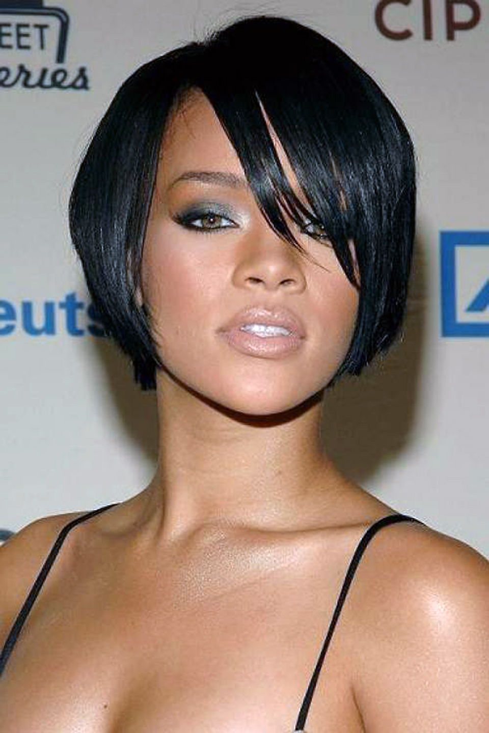Black Hairstyle For Women With Round Faces