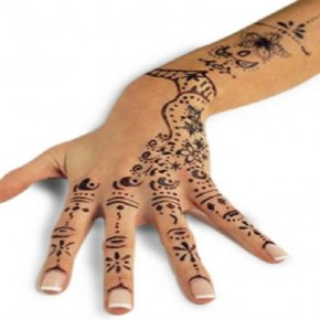 Chic Henna Tattoo Designs For Hand Pictures