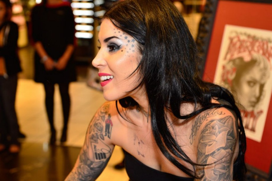 Famous latina tattoo artist design pictures fashion gallery for Tattoo artist license