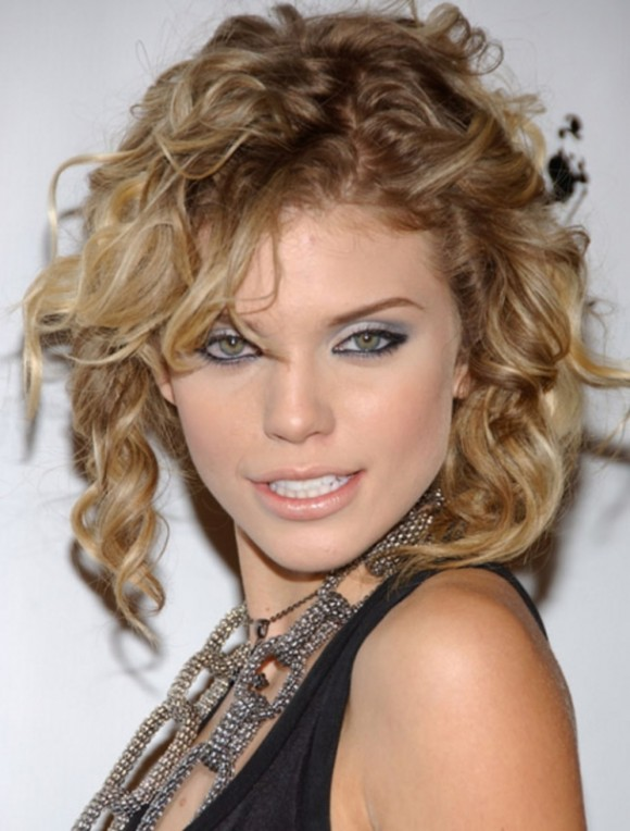 fashion hairstyles for 2011, Curly Hairstyles Fashion 2011