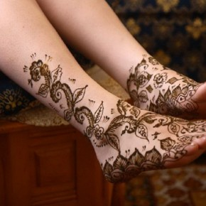 Gold Ink Henna Tattoo Designs For Feet Pictures