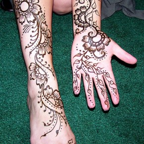 Henna On Clients Leg And Hand Pictures