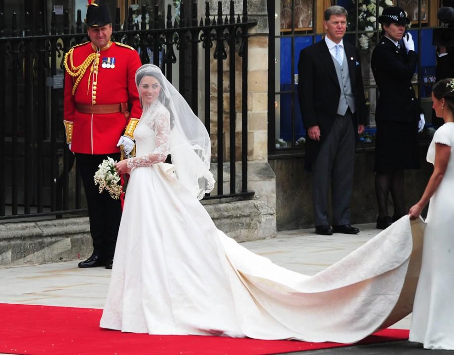 Royal Wedding Coverage.Kate Middleton Wedding Dress Royal Wedding Coverage Details On