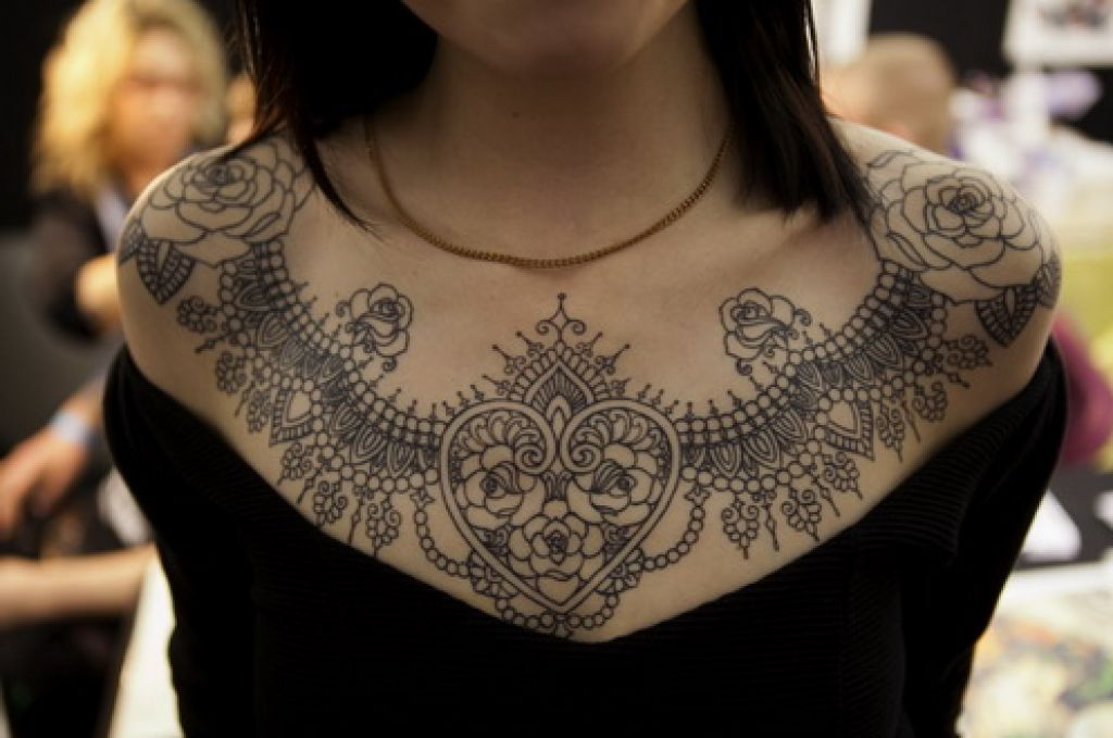 Pretty And Best Chest Tattoo Ideas For Young Girls Pictures