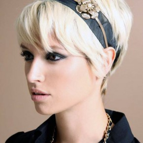 Short Hairstyles For Women With Thick Hair Pictures