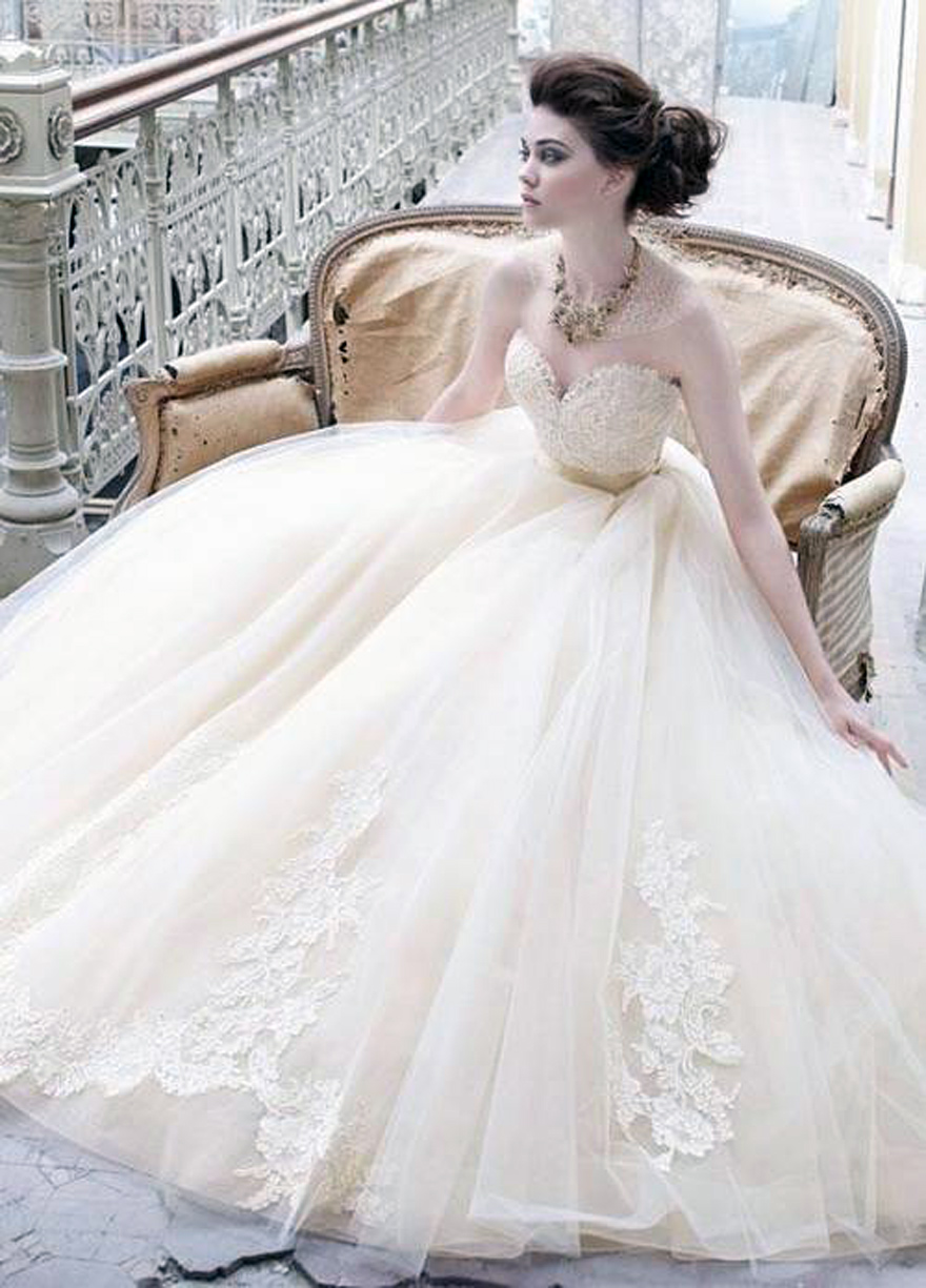 Simple cinderella wedding dress 2013 for Cinderella wedding dress up