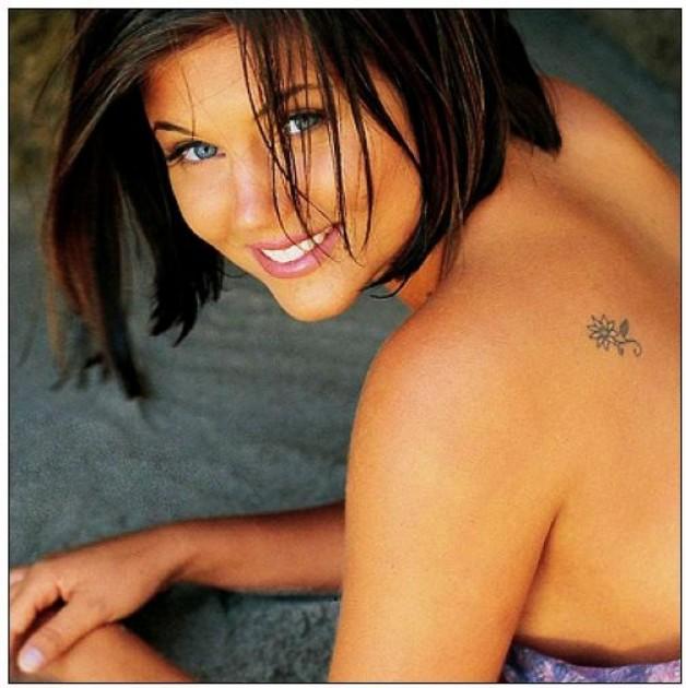 Small Flower Design Tattoos For Beautiful Women