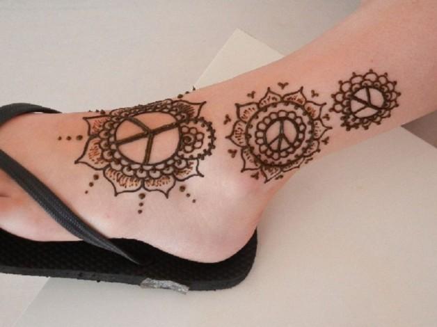 Stunning Henna Tattoo Design On Ankle