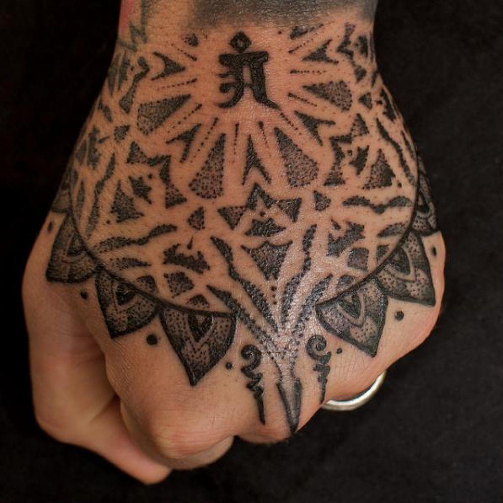 Stunning Jondix Hindu Hand Tattoo Pictures