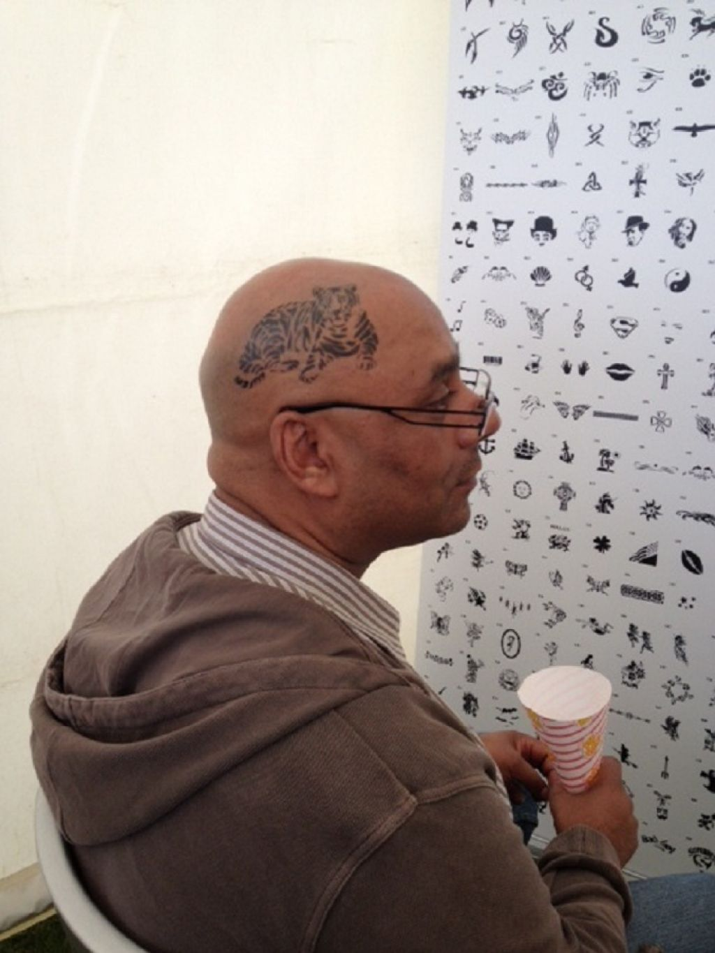 Unique Temporary Airbrush Tattoo On Bald Head Pictures