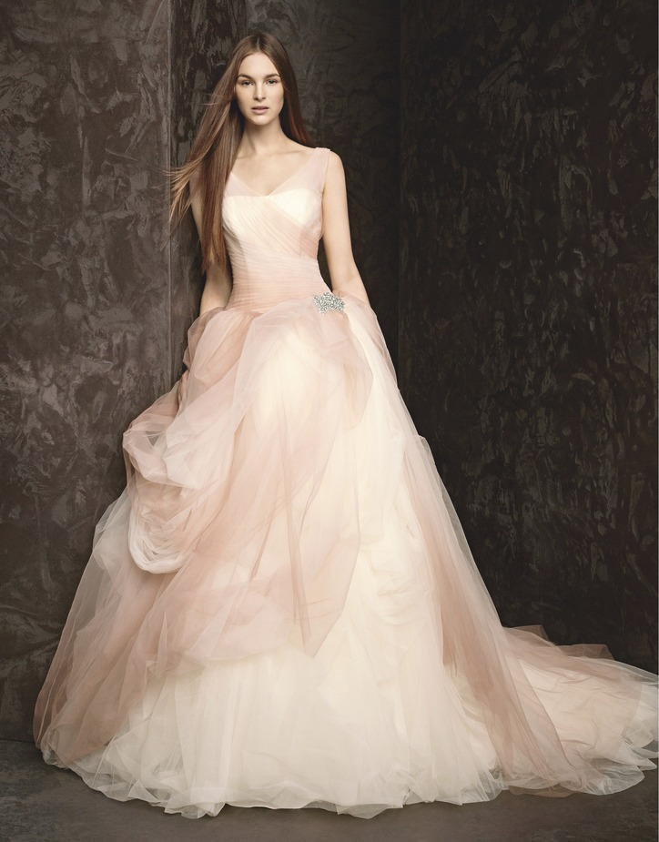 Vera wang wedding dress glamour exclusive a first look at the if you are looking to update your look this vera wang wedding dress glamour exclusive a first look at the newest wedding dresses vera inspired for your junglespirit Gallery