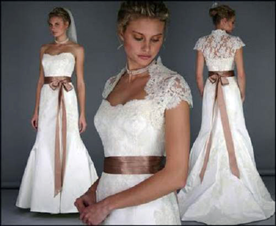 Vera wang wedding dress lace styles for Vintage lace wedding dress pinterest