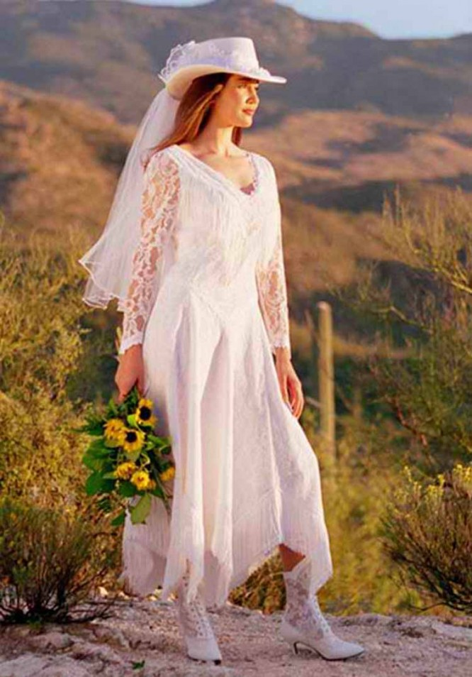 Western wedding dresses cowboy boots with wedding dress for Wedding dresses with cowgirl boots